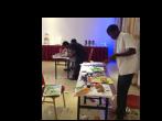 Kunststudenten in Kigali, Rwanda met 50 Surinaamse kunstschatten